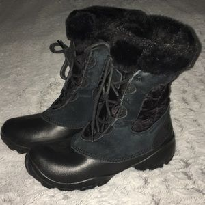 Columbia Black Waterproof Tie Up Furry Boots